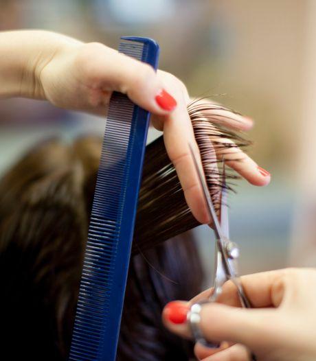 """Bonne surprise pour cette coiffeuse: """"Une enveloppe avec de l'argent dans ma boîte aux lettres"""""""
