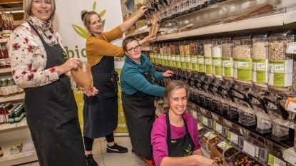 """Voortaan verpakkingsarm winkelen bij Biovita: """"Ecologischer, verser en de klant kiest hoeveel hij wil"""""""