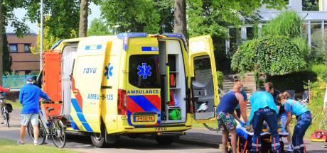 Fietser komt hard ten val in Kattenbroek, omstanders verlenen eerste hulp