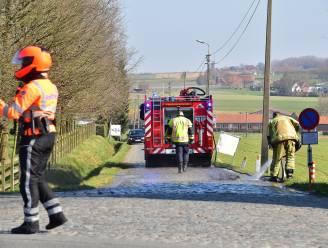 Brandweer ruimt glas op en verhindert pak lekke banden in peloton Kuurne-Brussel-Kuurne