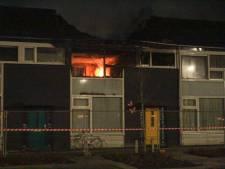 Smeulende resten steken verloren huis van gezin opnieuw aan in Tilburg