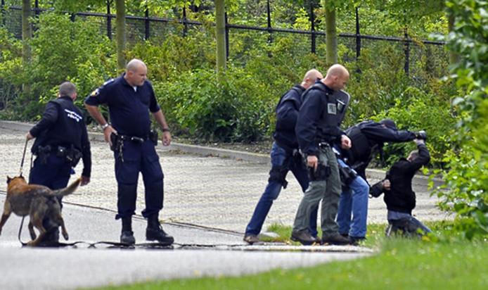 De verdachte werd dinsdag aangehouden op de begraafplaats in de Middelburgse wijk Dauwendaele.