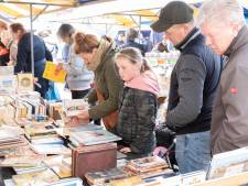 Geen boekenmarkt, wel levende literatuur in de Middelburgse binnenstad