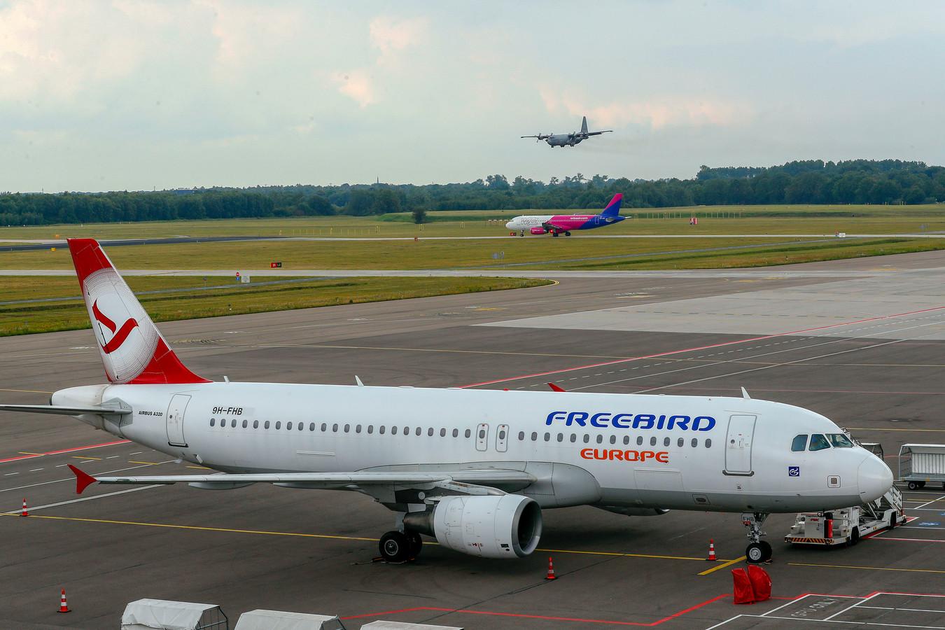 Vliegtuigen op Eindhoven Airport dat een vergunning volgens de wet Natuurbescherming heeft aangevraagd.