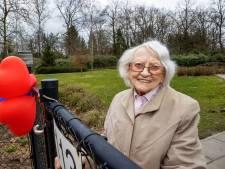 100-jarige Ank van der Wal uit Budel-Dorplein zag de halve wereld; 'Ook nu nog wil ik alles blijven volgen'