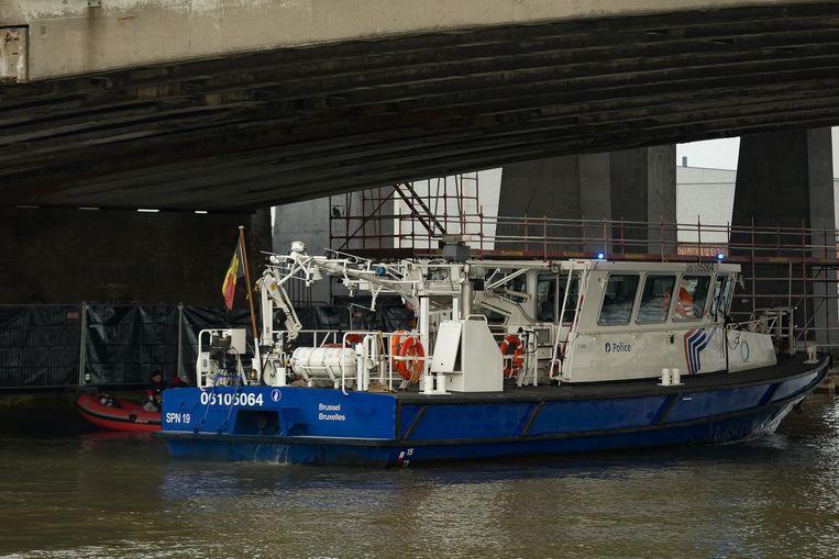 Boten tijdens de speuractie naar Julie Van Espen in Antwerpen. Beeld BELGA