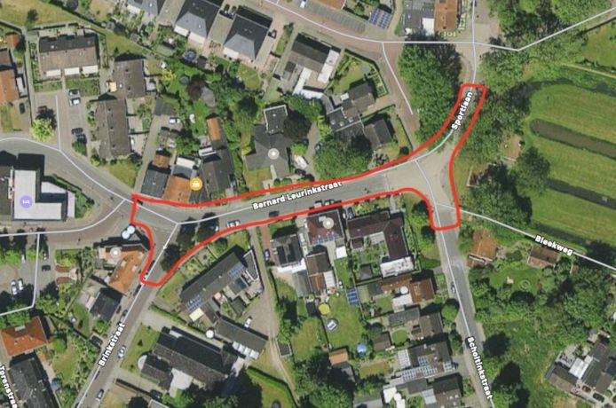 De Bernard Leurinkstraat in Losser, in het rode gebied vinden de werkzaamheden plaats