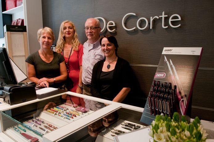 Raymond De Corte, bij de opening van de nieuwe zaak in de Sint-Amandsstraat.