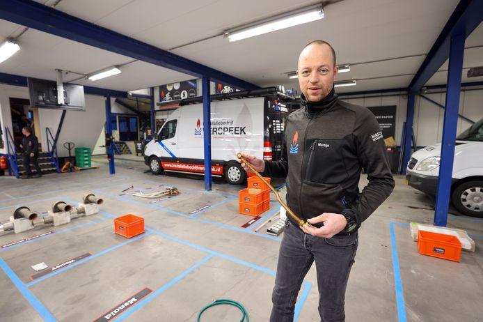 Martijn Verspeek verwacht de komende dagen veel lekkages door gescheurde waterleidingen. De afgelopen week waren Verspeek en zijn collega's megadruk met het repareren van cv-ketels.