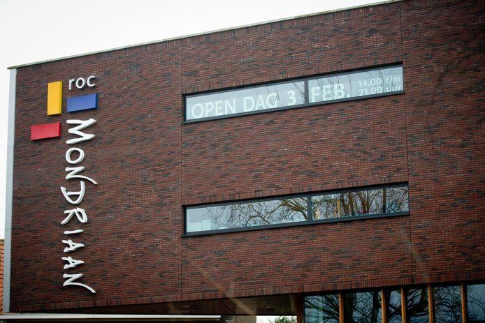 Exterieur van het ROC Mondriaan in Delft.