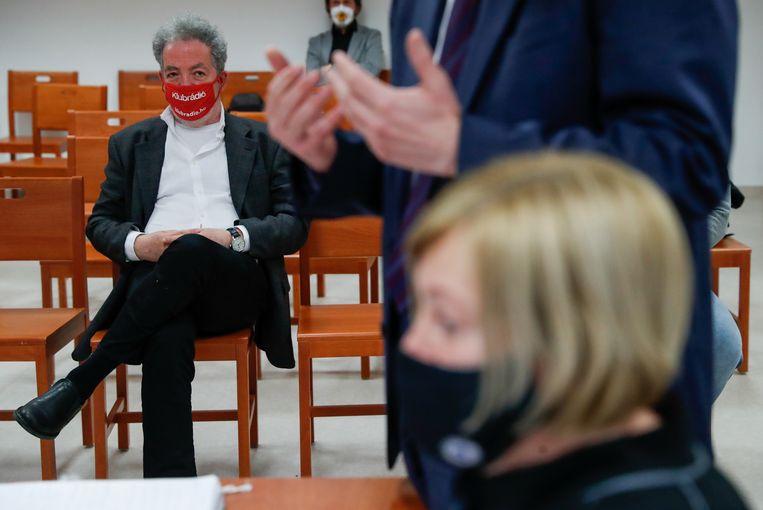 Andras Arato van Klubradio tijdens de zitting over het lot van de licentie van zijn onafhankelijke zender.  Beeld REUTERS