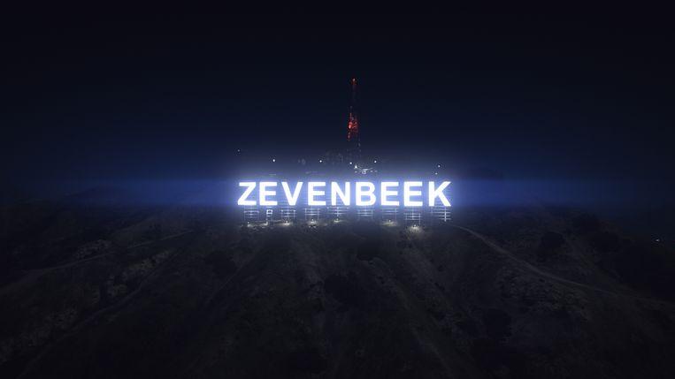 De Zevenbeek-letters in de stijl van Hollywood. Beeld Julian Bos
