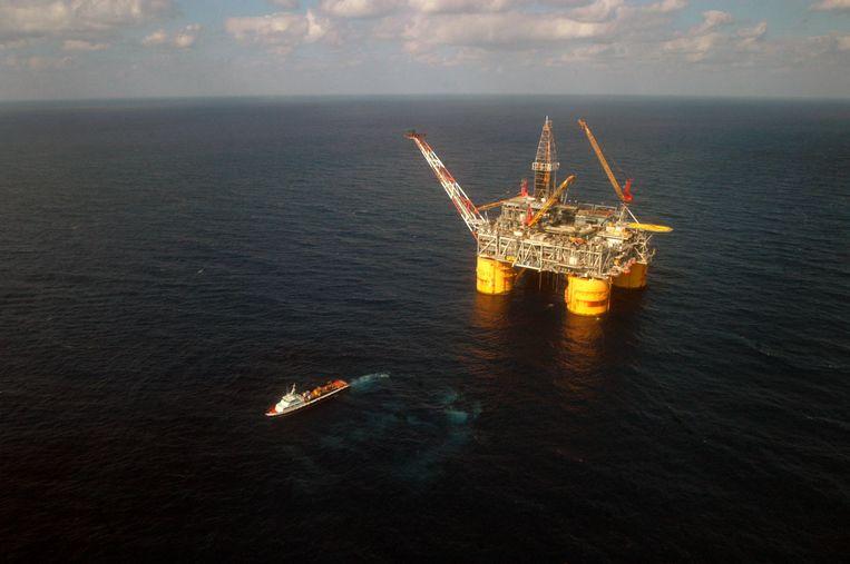 Een olieplatform van Shell. Beeld Hollandse Hoogte / René Clement