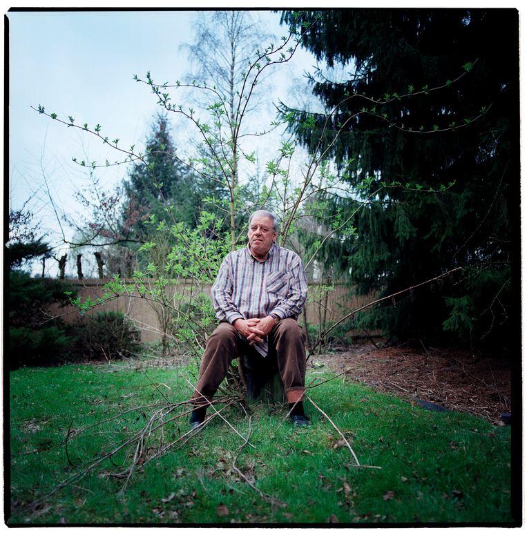 Schrijver Jeroen Brouwers in Zutendaal, België, in 2005. Beeld Hollandse Hoogte / Merlijn Doomernik