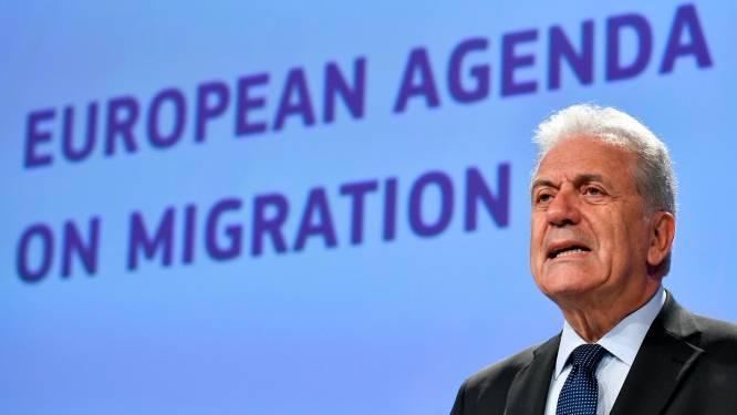 """Commissie fluit Francken terug: """"Europa gaat nooit het Australische model volgen. Geen pushbacks!"""""""