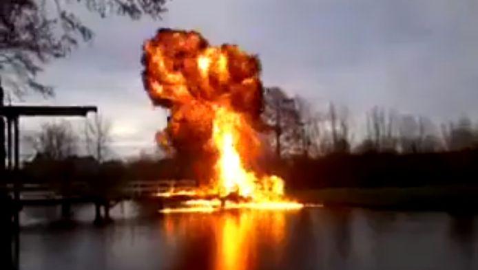 Het moment dat de Kamerikse brug wordt opgeblazen