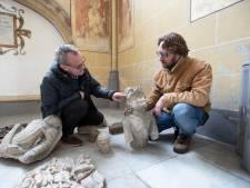 Muntjes offeren in middeleeuwse Zutphense kerk