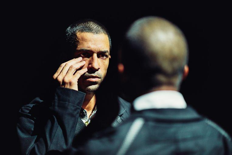 César Faria Fernandes en Jon Bond in The Other You van Crystal Pite door Nederlands Dans Theater 1. Beeld Rahi Rezvani