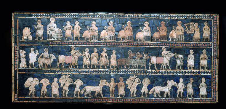 De standaard van Ur, doos ingelegd met schelp, steen en lapis lazuli, Mesopotamië (Zuid-Irak), 2500 voor Christus, British Museum Londen. Beeld Getty