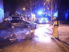 Brandweer blust er in Delft op los: drie containers vatten vlam