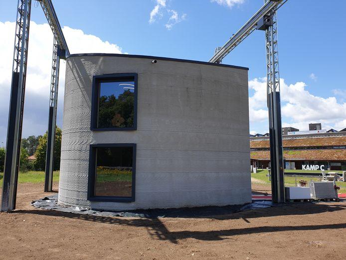 Het geprinte gebouw op Kamp C werd maandag voorgesteld.