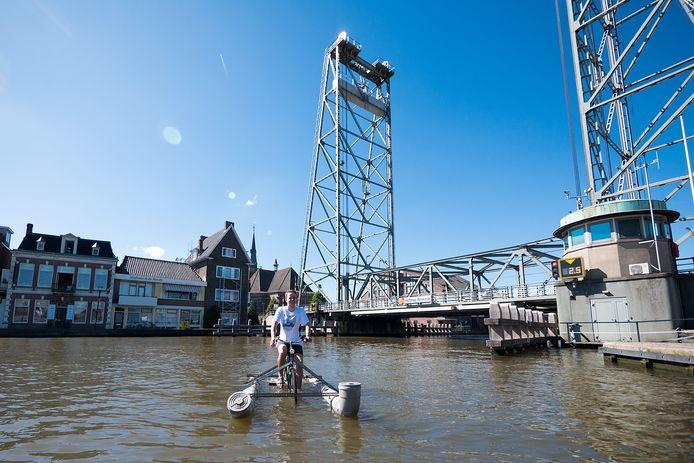 Wie heeft belangstelling om iets in het brugwachtershuisje bij de hefbrug in Boskoop te doen?