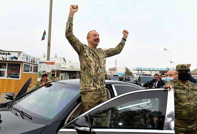 President Ilham Aliyev en first lady Mehriban Aliyeva bezochten gisteren heroverde gebieden in Azerbeidzjan.   Beeld AP