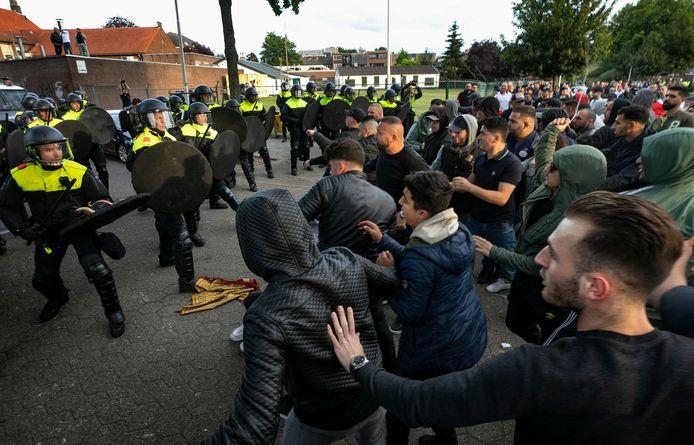 Beelden van de ongeregeldheden in Eindhoven, waar Pegida en tegendemonstranten in mei 2019 het met elkaar aan de stok kregen.