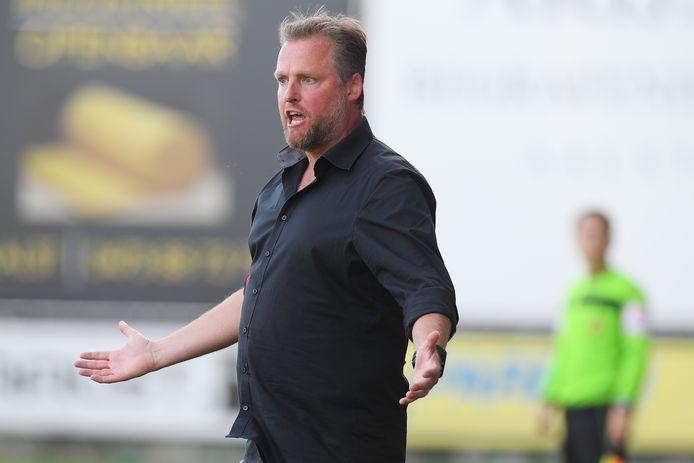 Tom De Cock staat als coach van FC Lebbeke voor de eerste confrontatie in de Croky Cup tegen Latem zondag.
