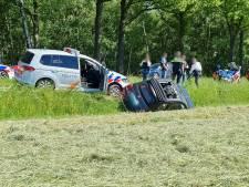 Gestolen auto belandt in sloot Beckum na achtervolging