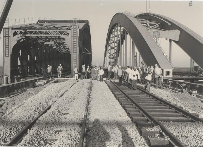 Vervanging brug bij Culemborg in 1983.