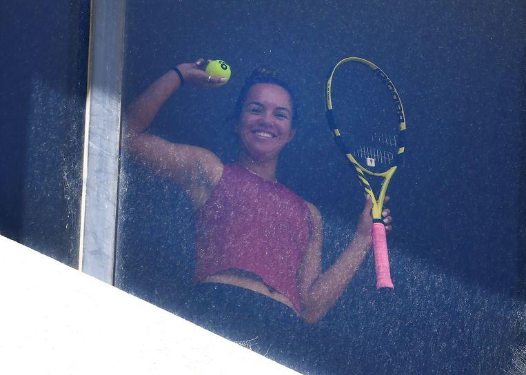 Twee weken tennissen op je hotelkamer, daar moeten 72 deelnemers aan de Australian Open aan wennen. Beeld AFP
