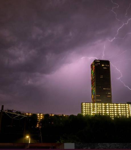 Stadsbeeld: Onweer boven Westpoint