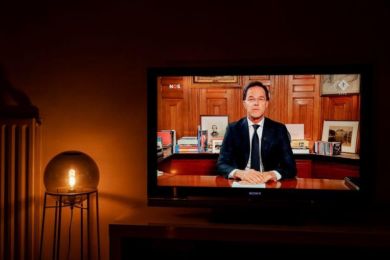 Mark Rutte op televisie. Beeld ANP