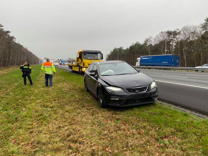 Een politieauto botste op een personenauto, op de A1 ter hoogte van Bathmen