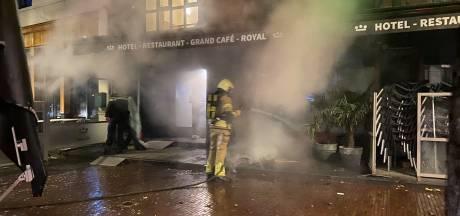 Verontwaardiging na boete voor dakloze die vuurtje stookt in Deventer, maar: 'Ze kon zelf kiezen voor opvang'