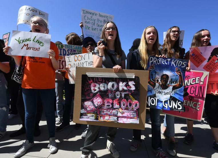 De March for our lives, een mars tegen wapengeweld, werd een van de grootste betogingen in Washington ooit. Beeld AFP