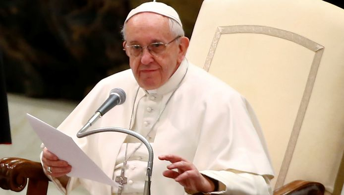 """""""Het werk van de duivel"""", zo omschreef paus Franciscus kindermisbruik door priesters."""