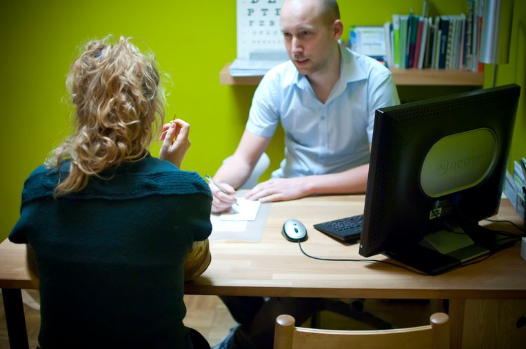 Consultatie bij de dokter. Beeld Jorne Daems