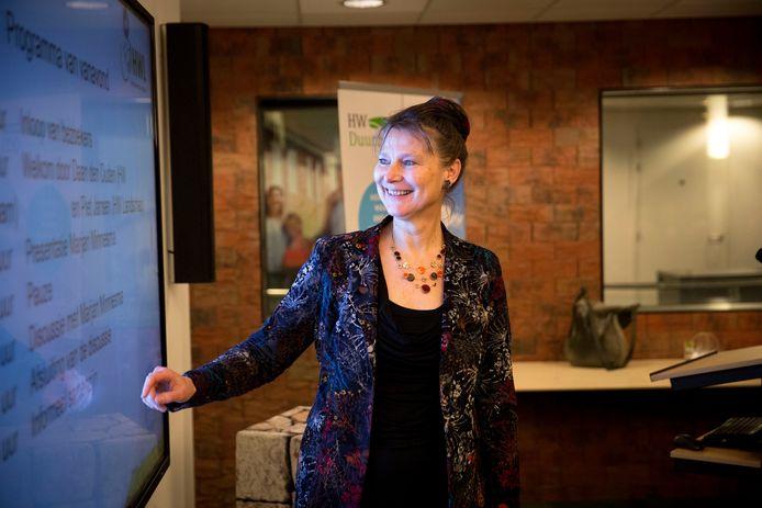 Marjan Minnesma, directeur van Urgenda, tijdens een lezing over het klimaat- en energiebeleid.
