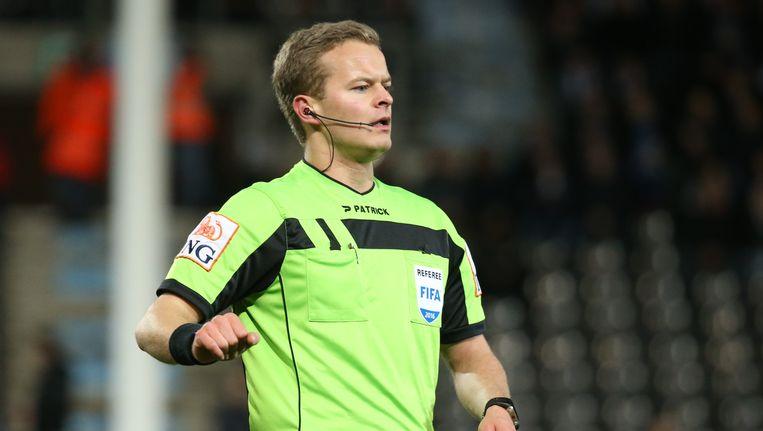 Ref Bart Vertenten wordt verloond als POI-ref en ontvangt 1.900 euro per wedstrijd
