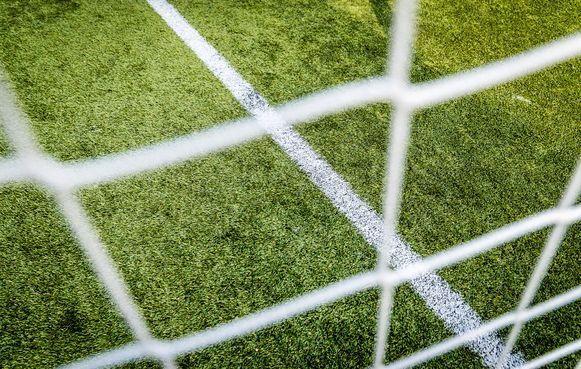 Sp.a+ wil een hogere omheining rond het vierde voetbalveld.