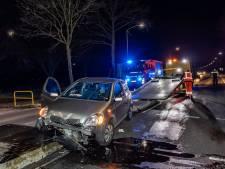 Automobilist raakt gewond door ongeluk in Riel, laag olie schoongemaakt door brandweer