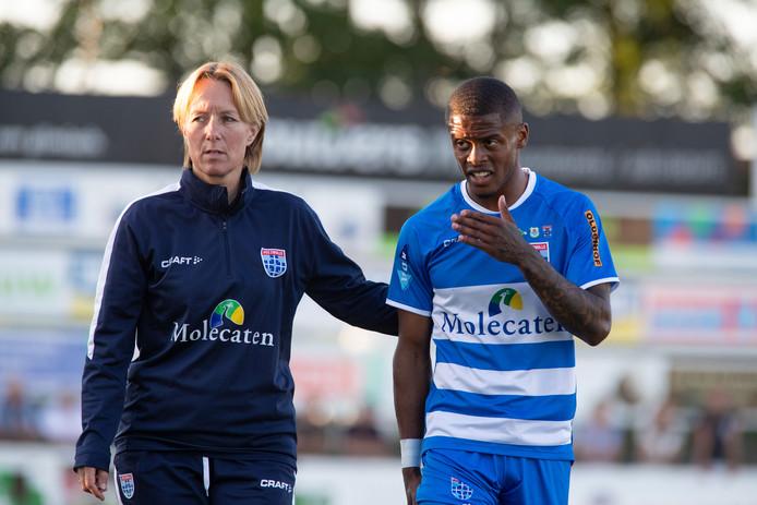 Kenneth Paal liep tegen Heerenveen een lichte knieblessure op en is mogelijk niet inzetbaar voor PEC Zwolle in het thuisduel met Vitesse.