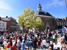 Ravenstein laat zich massaal horen voor gesloten Luciakerk: 'Dit is pure diefstal'