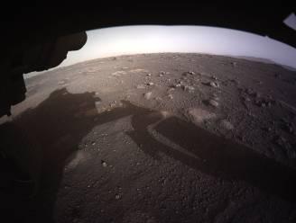 Alsof je er zelf bent: NASA deelt eerste haarscherpe kleurenfoto van planeet Mars