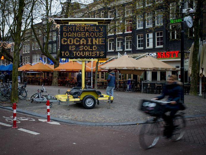 Een waarschuwingsbord voor witte heroïne die als cocaïne werd verkocht in Amsterdam.