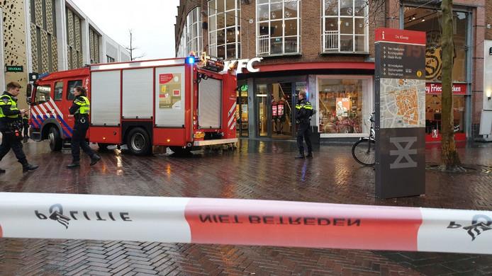 De brandweer rukte uit naar de KFC. Voor een prullenbak, bleek later.