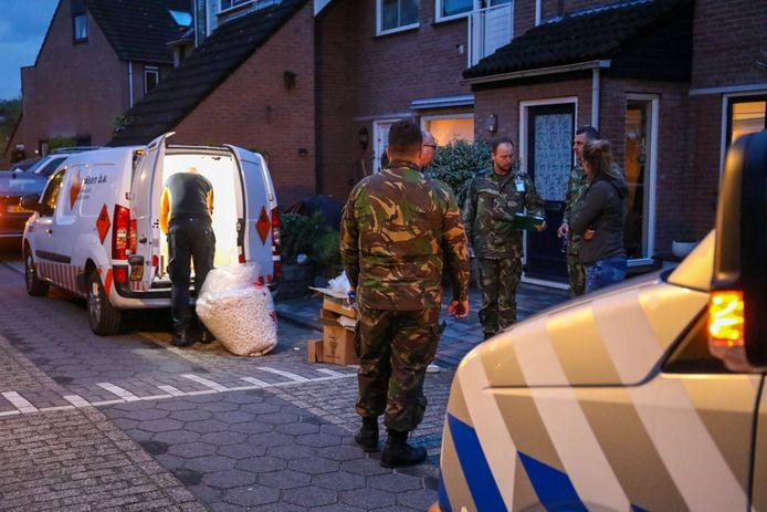 De Explosieven Opruimings Dienst hielp bij het onderzoeken en afvoeren van het vuurwerk.
