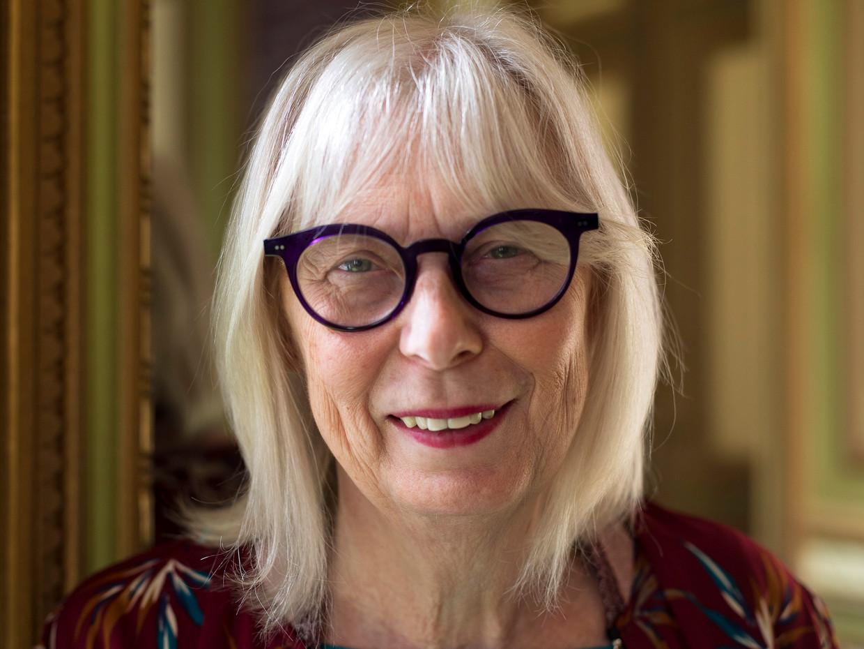 Magda De Meyer, voorzitter van de Vrouwenraad: 'Net zoals iedereen weet dat je 112 moet draaien voor hulp, moet iedereen weten dat 1712 er is voor problemen rond geweld.' Beeld Vrouwenraad